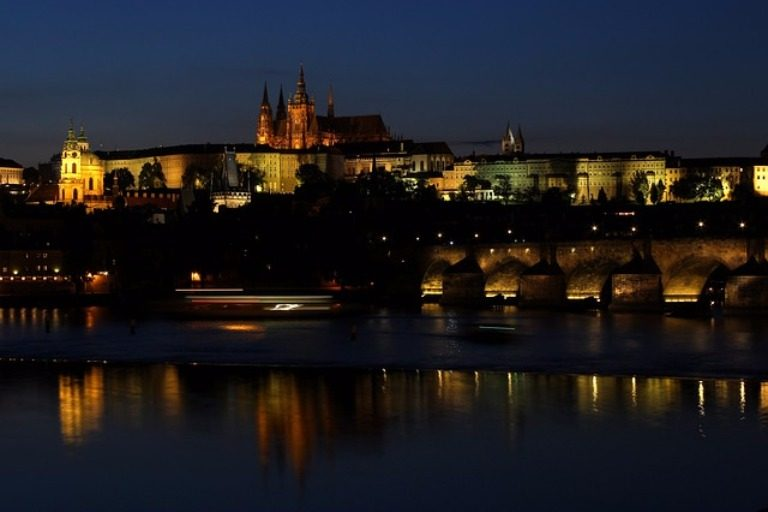 online travel consultant prague castle